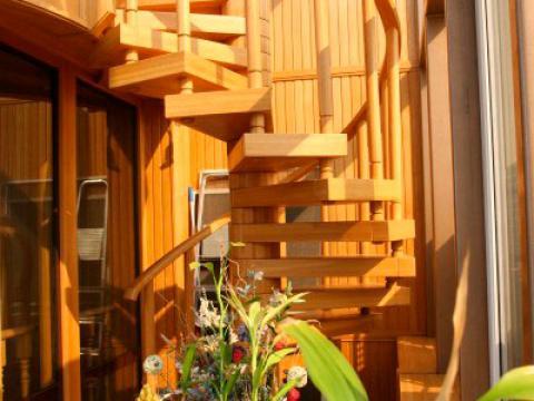 купить винтовую лестницу в частный дом